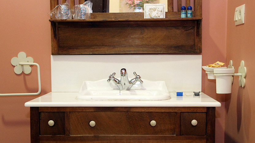 baño habitación sencillo consuegra