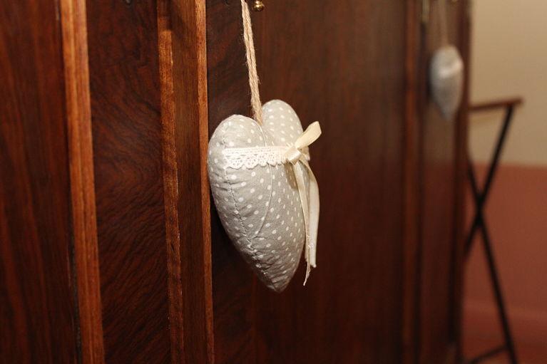 detalle habitación romantica