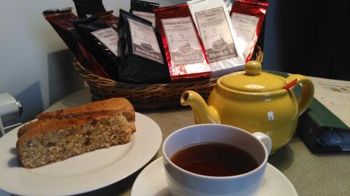 té, café, bizcocho casero, hotel la vida de antes